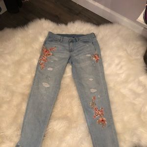 White House Black Market Jeans - 🌿Embroidered Jeans🌿